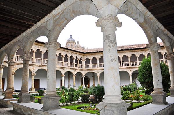 Claustro Del Convento De Las Duenas Holiday Rental Salamanca