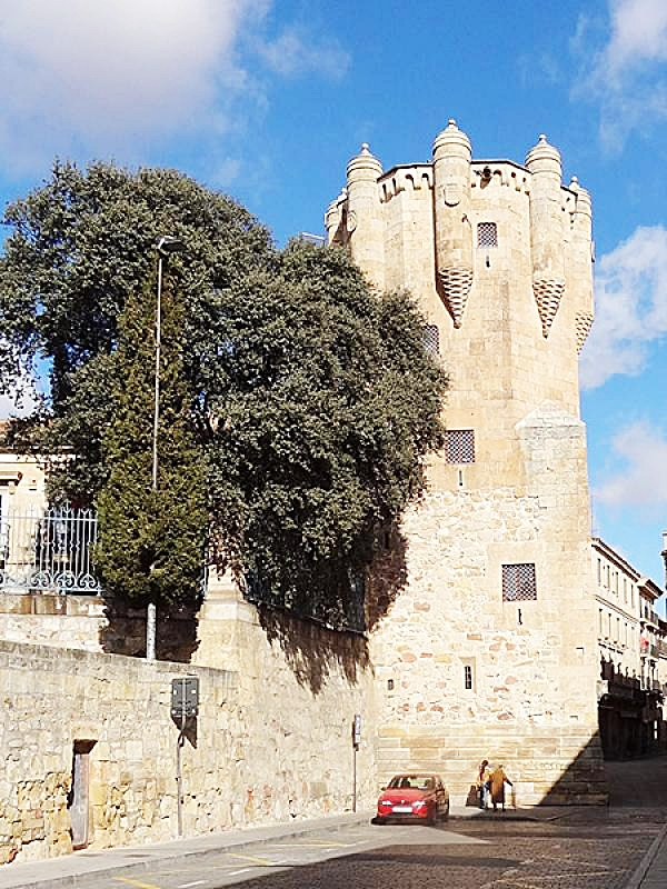 La Torre del Clavero otro de los rincones más bellos de Salamanca para ver en salamanca.